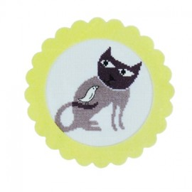 Cat frame embroidery kit - yellow