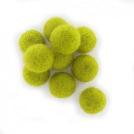 Boules en feutre vert anis x 10