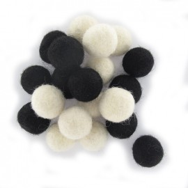 Boules en feutre mix noir / blanc x 20