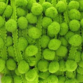 Galon petit pompons vert anis