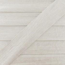 Biais simili cuir métallisé blanc cassé 25 mm