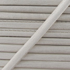 Cordon simili cuir métallisé blanc cassé