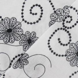 Tissu voile de coton brodé Fleurs noir et blanc x 10cm