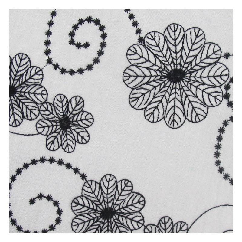 tissu voile de coton brod fleurs noir et blanc x 10cm ma petite mercerie. Black Bedroom Furniture Sets. Home Design Ideas