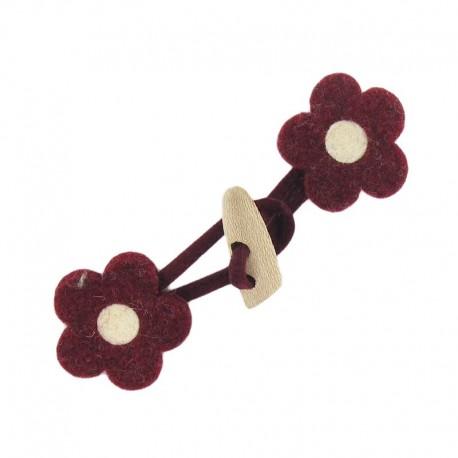 Felt-fabric Toggle duffle fastener, flower - carmine red