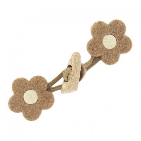 Felt-fabric Toggle duffle fastener, flower - light brown