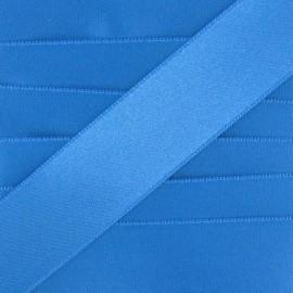 Ruban satin bleu