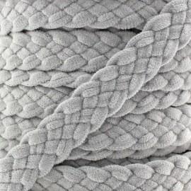 Galon tressé aspect daim gris clair x 50cm