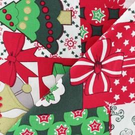 Tissu Noël Bonhomme de neige et cloches fond rouge x 10cm