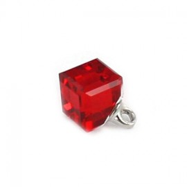 Bouton cristal Cube translucide rouge