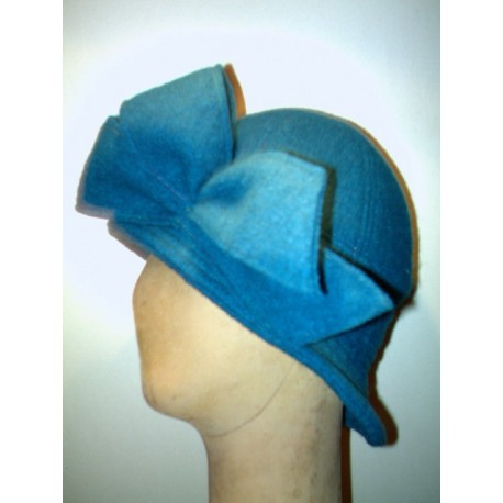 Adèle retro cloche hat sewing pattern for children from ManonHandco - blue
