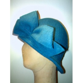 Adèle retro cloche hat sewing pattern for adults from ManonHandco - blue