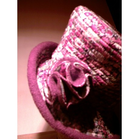 Aimie cloche hat sewing pattern for adults from ManonHandco - fuchsia