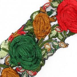 Guipure India Roses velours Rouge Noël / Vert x 50cm