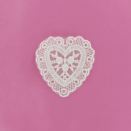 Lace heart Suzanne iron-on applique - white