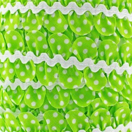 Fantasy serpentine with white polka dots - light green