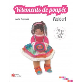 """Vêtements de poupée"" book"