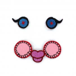 """Eyes See You C"" iron-on applique - pink/blue"