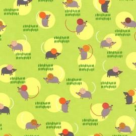 Tissu Little Mice in garden fond vert clair x 10cm
