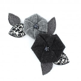 Flower and Beads A iron-on applique - grey/black
