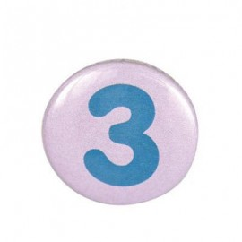Pin-on button badge number 3 - pink