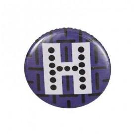 "Fantasy Pin-on button badge Alphabet ""letter H"" - purple"