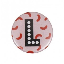"Fantasy Pin-on button badge Alphabet ""letter L"" - pink"