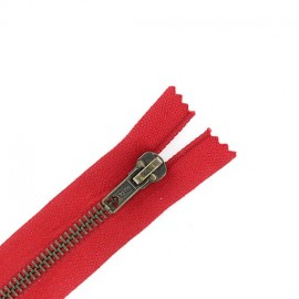 Brass Closed bottom zipper - bloody red