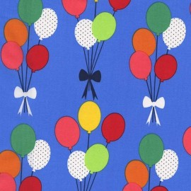Tissu Funfair Balloons fond bleu x 15cm