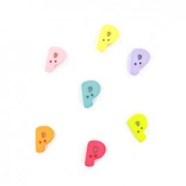 Button, letter P Color