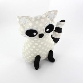 Raccoon pincushion Little white dots - beige