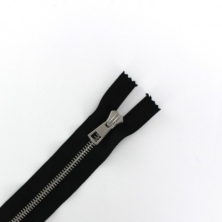 Metal silver thin Closed bottom zipper 6 mm - black