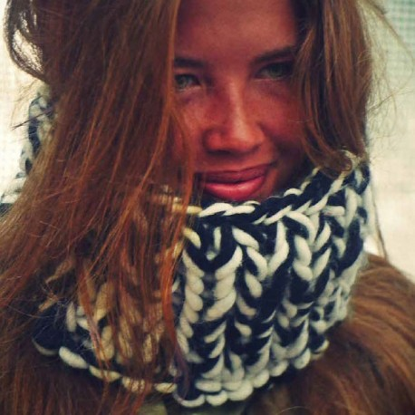 new Jersey - snood knitting kit in double jersey - black & white