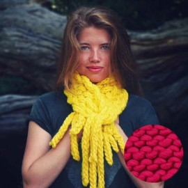 Uno Dos Tresse Scarf knitting kit - chunky cherry