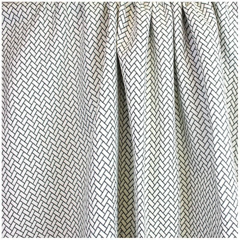 Tissu jacquard atlanta noir et blanc x 10cm ma petite mercerie - Tissus noir et blanc ...