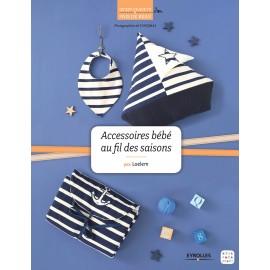 """Livre """"Accessoires bébé au fil des saisons"""""""