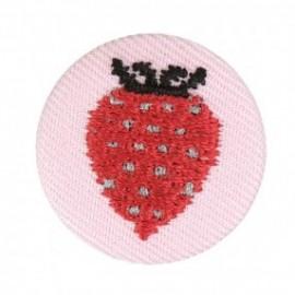 Badge tissu - fraise brodée