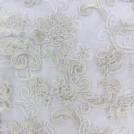 Tissu Dentelle brodée Soraya - blanc x 10cm