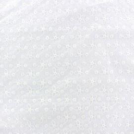 Tissu coton brodé Lucie - blanc x 10cm