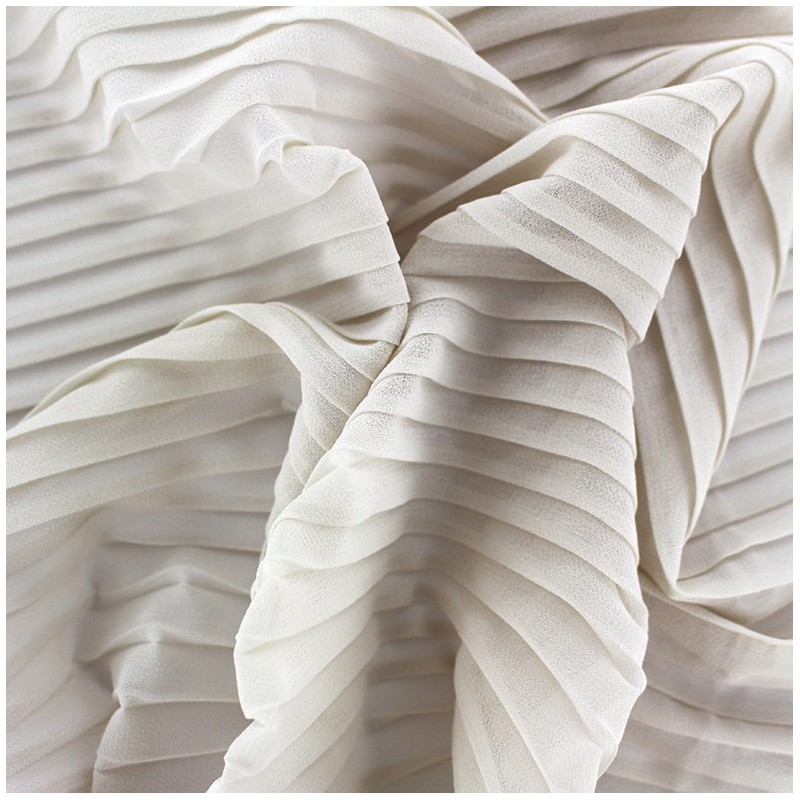 tissu cr pe l ger pliss beige clair x 50cm ma petite. Black Bedroom Furniture Sets. Home Design Ideas