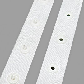 Round shaped snap buttons tape - white