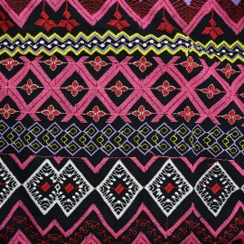 Tissu viscose brodé Gypsy - rose x 10cm