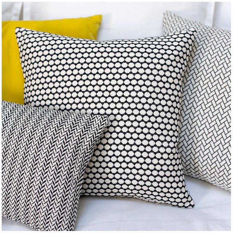 tissu jacquard austin noir et blanc. Black Bedroom Furniture Sets. Home Design Ideas