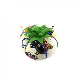 Tomato pin cushion Sewing - ecru