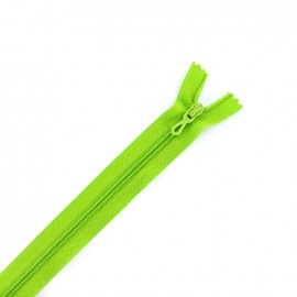 Closed bottom zipper - lime