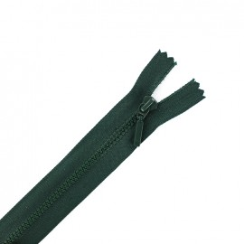 Thin moulded plastic open end zip eclair® - lichen green