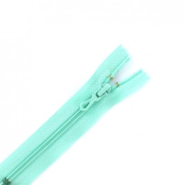 Closed bottom zipper 10cm - almond green