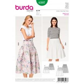 Patron Jupe plissée de petits plis piqués en haut  Burda N°6507