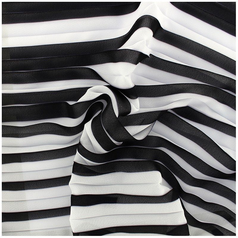 tissu cr pe l ger pliss noir blanc x 50cm ma petite. Black Bedroom Furniture Sets. Home Design Ideas