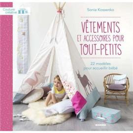 """Livre """"Vêtements et accessoires pour tout-petits"""""""